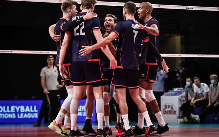 Nederlandse volleyballers verslaan Duitsers met 3-2