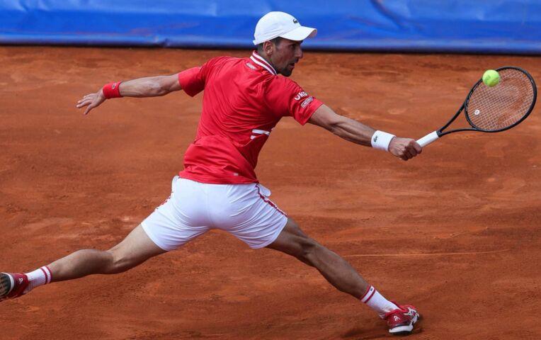 Djokovic domineert en plaatst zich voor halve finale Belgrade Open