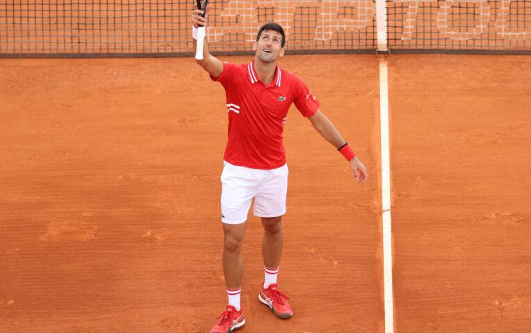 Djokovic eenvoudig langs Sinner in Monte Carlo