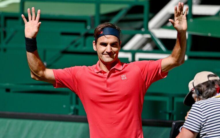 Federer wint eerste graswedstrijd van Ivashka