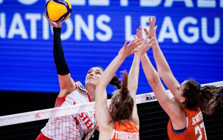 Nederlandse volleybaldames kansloos tegen Turkije