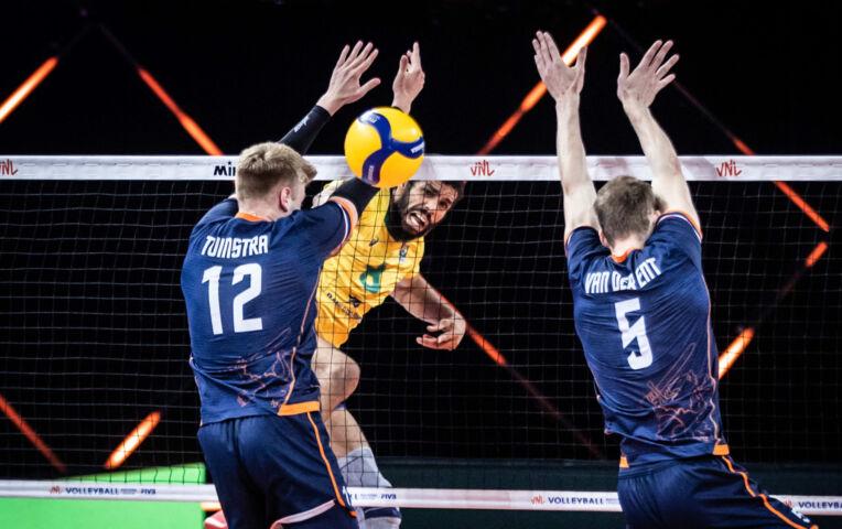 Nederlandse volleyballers verliezen van Brazilië met 3-0
