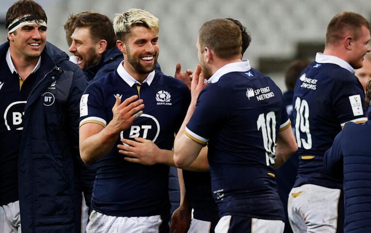 Six Nations: Schotland wint van Frankrijk, Wales kampioen