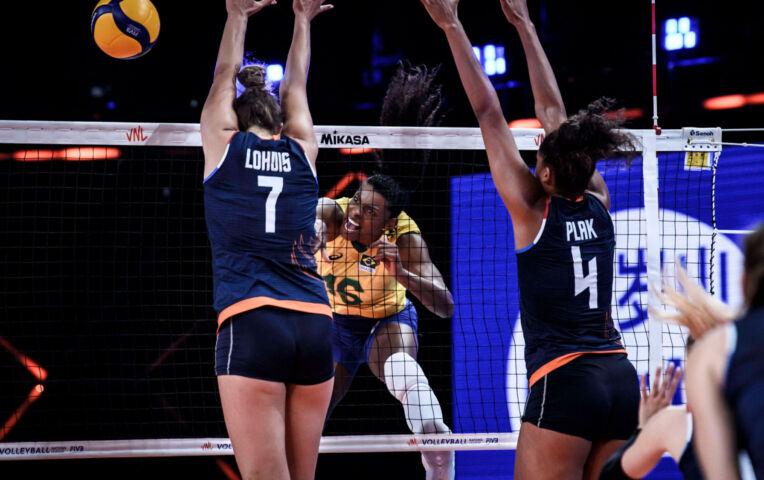 Nederlandse volleybaldames kansloos tegen Brazilië