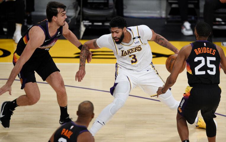 The Fast Break: Anthony Davis bezorgt Lakers cruciale winst