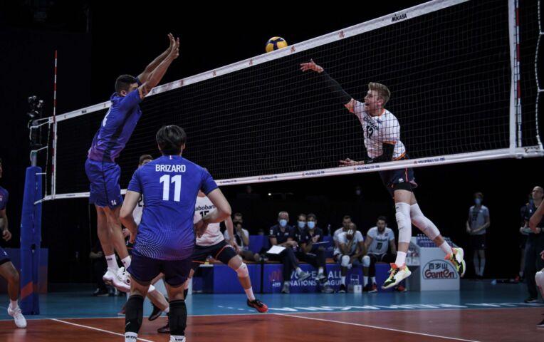Nederlandse volleybalheren in thriller langs Frankrijk