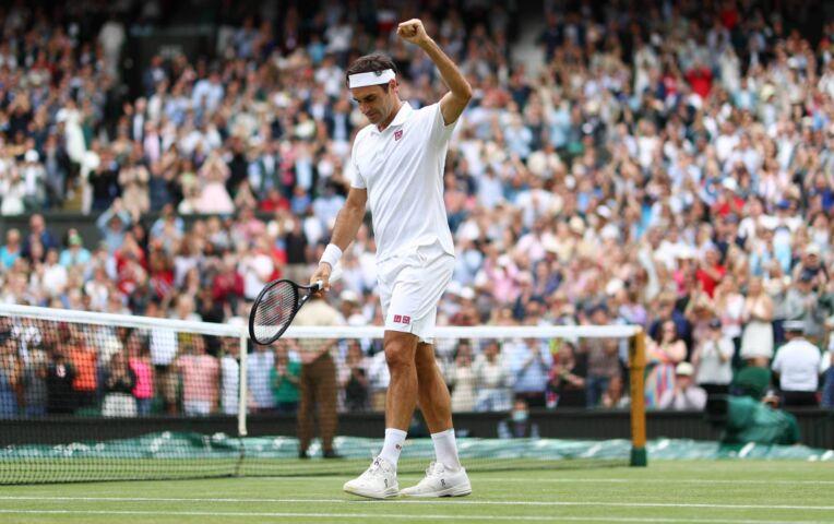 Federer dendert door naar vierde ronde op Wimbledon