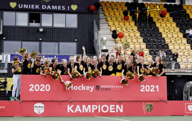 Hockeysters Den Bosch pakken tegen Amsterdam 20ste titel