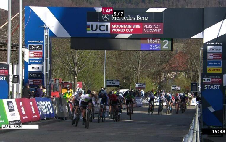 Mathieu van der Poel wint meteen in Albstadt