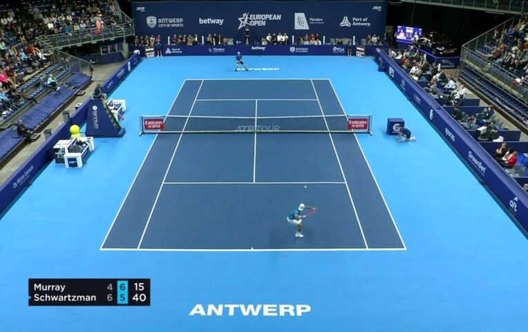Diego Schwartzman verslaat Andy Murray in Antwerpen en bereikt de kwartfinales