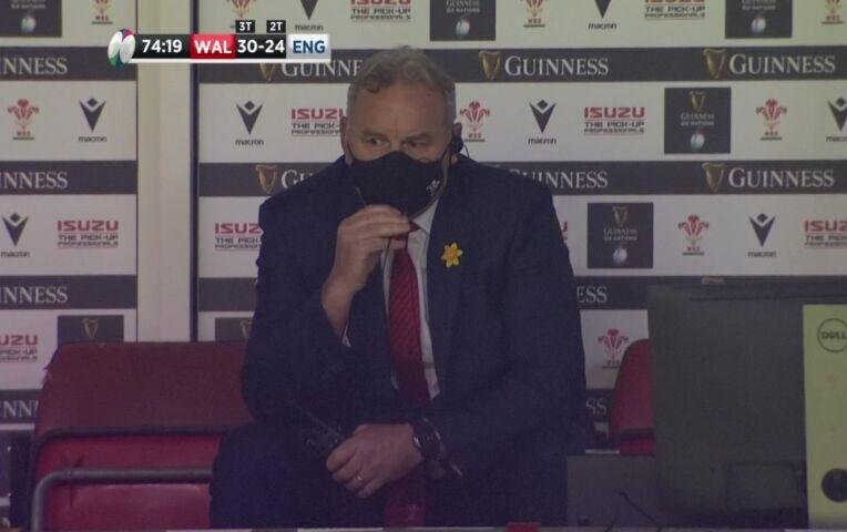 Wales sensationeel voorbij Engeland